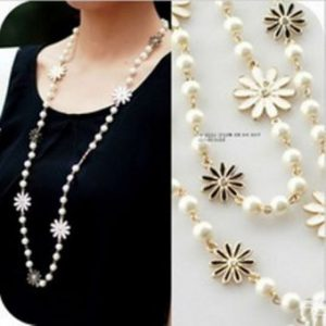 Vintage fashion flower long necklace